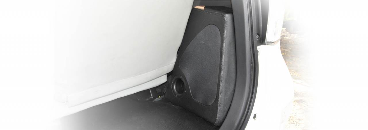 BOX PORT 6IN AVANZA 2011 - NOW BLACK